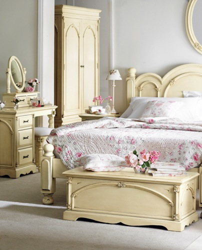 pros scoff how to decorate a victorian bedroom vanity with