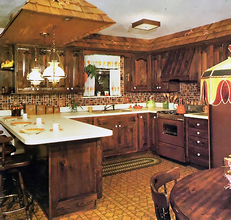 Brown Kitchen: Complete and Practical