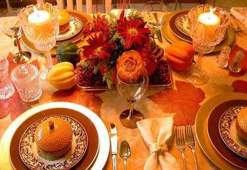 thanksgiving decoration table