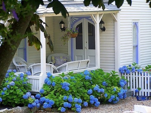 Country Home and Garden Decoration