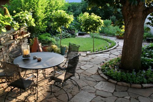 Low Budget Maintenance Landscape at the Backyard