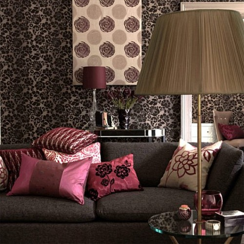 Home Improvement: Pink and Black Decoration
