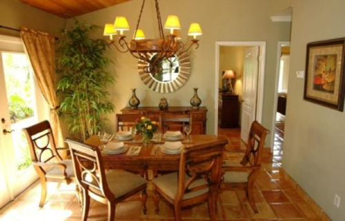 Tropical Dining Room Decoration