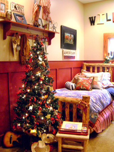 Rustic Christmas Bedroom for Children