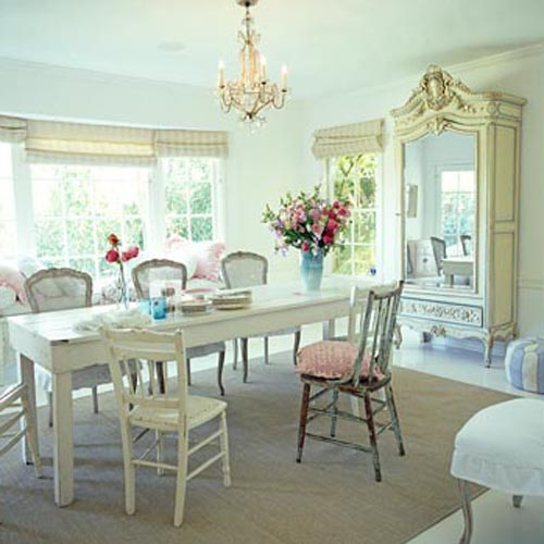 Classical Dining Room Arrangement
