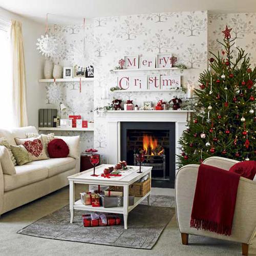 Nice Traditional Home for Christmas
