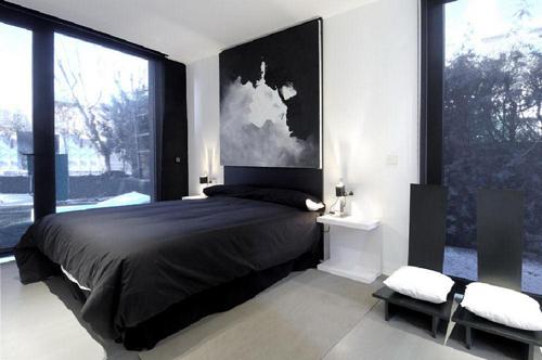Black And White Bedroom Design for Men