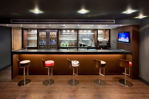 Luxury Home Bar Furniture
