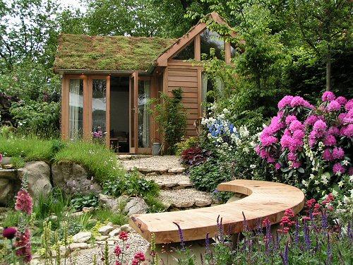 Nice Lush Garden Design