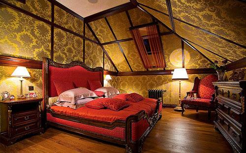 Romantic Italian Bedroom Design