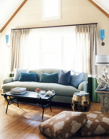Blue and Brown Wall Design