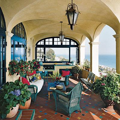Mediterranean Style Decor