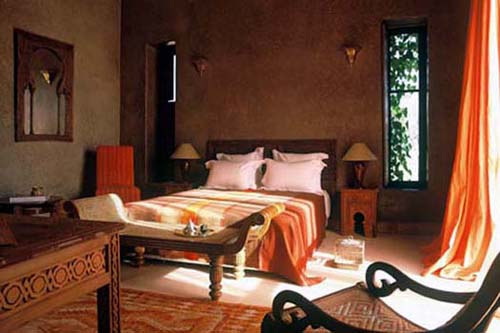 Simple Mediterranean Style Decor