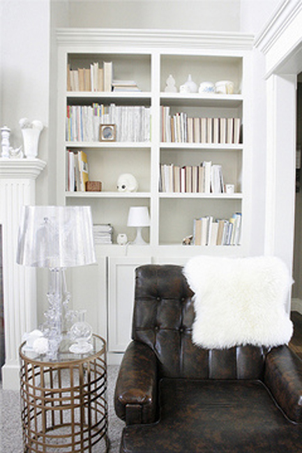 Bookshelf Decorating in Neutral Shade