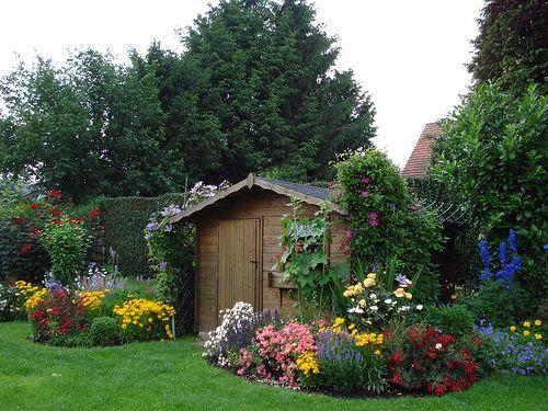 Garden Design for Romantic Look